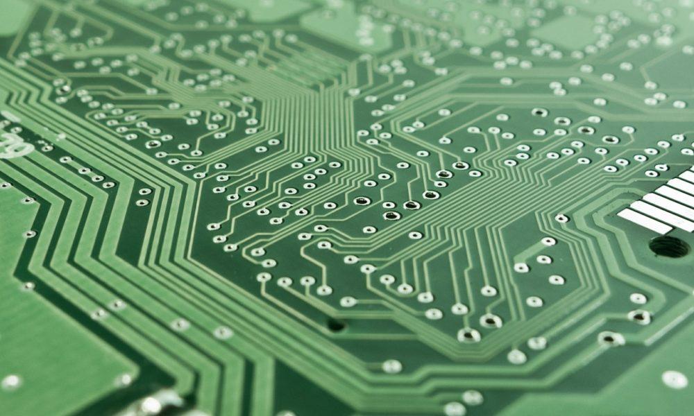 Débuter en électronique, circuit imprimé coté soudure